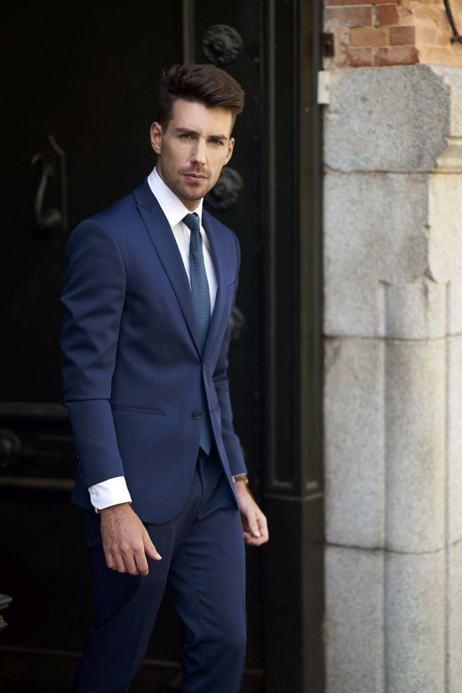 anthony-lorca-blue-suit-madrid
