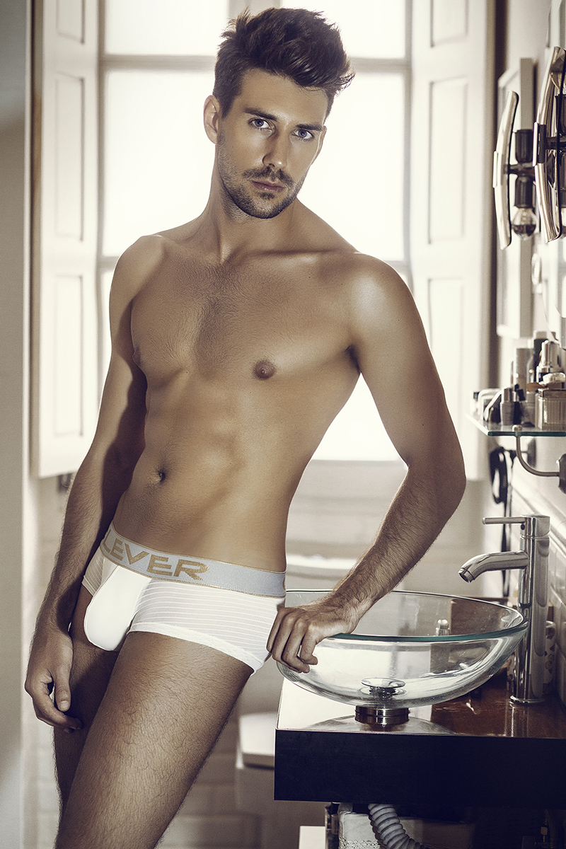 anthony-lorca-underwear-clever